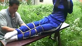 束縛 靴下 中国語 二