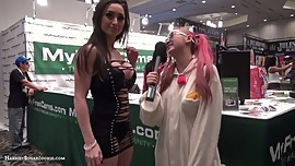 Exotic Dancer & Strip Pole Dancer ReyasRoom of MFC model chat @AEExpo 2016